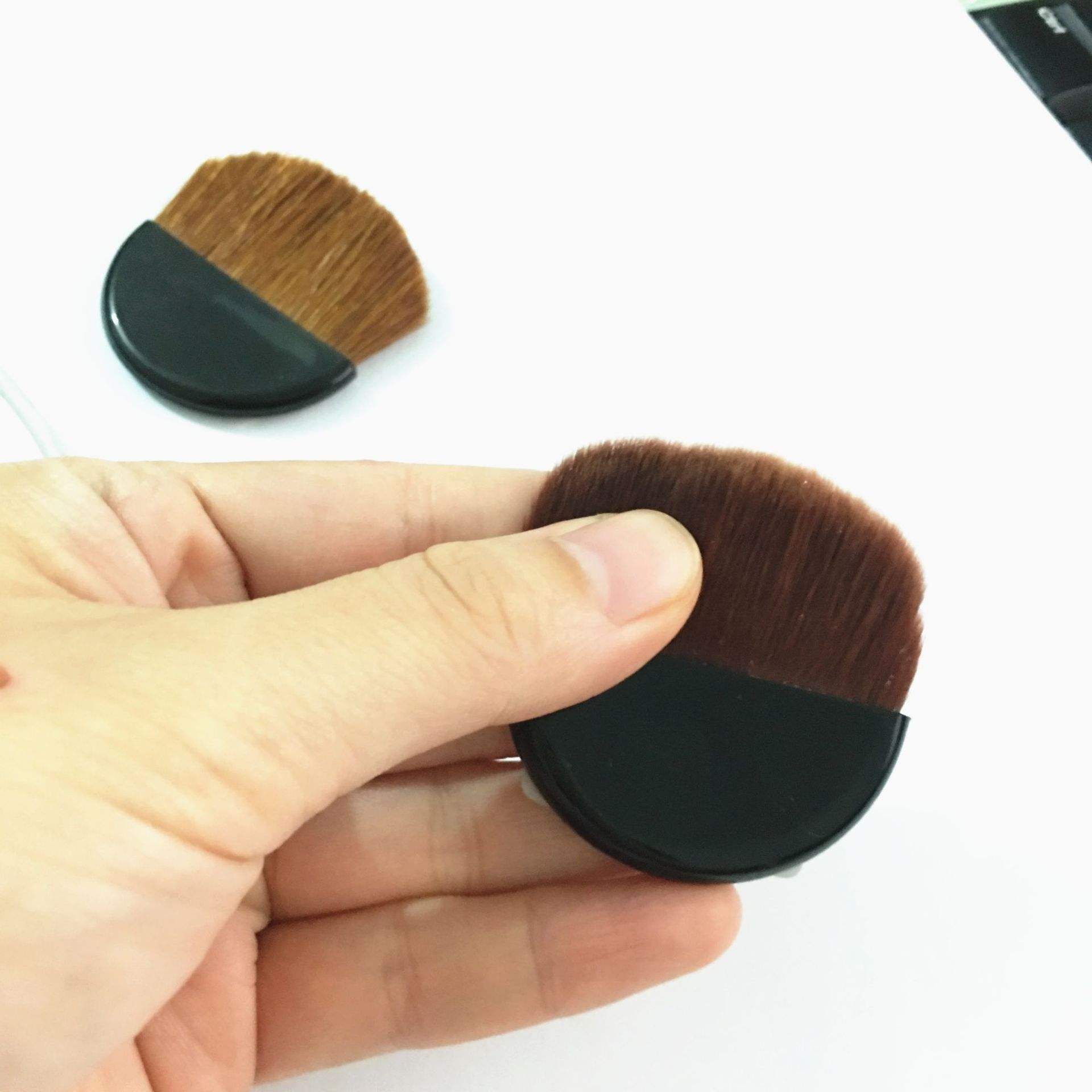 Powder box flat brush
